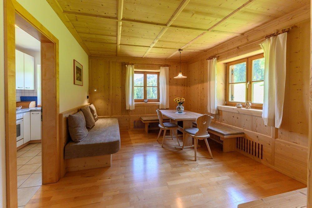 Wergeserhof-Fewo-Santner-Wohnzimmer-03